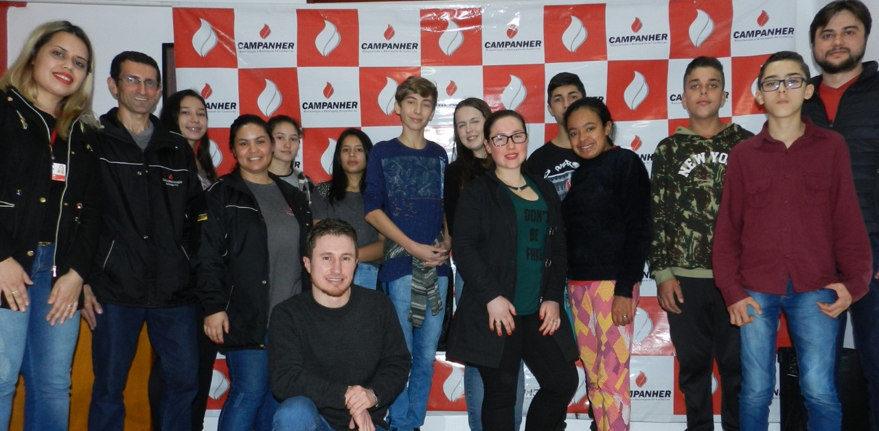 Campanher recebe alunos na Semana do Desenvolvimento Profissional